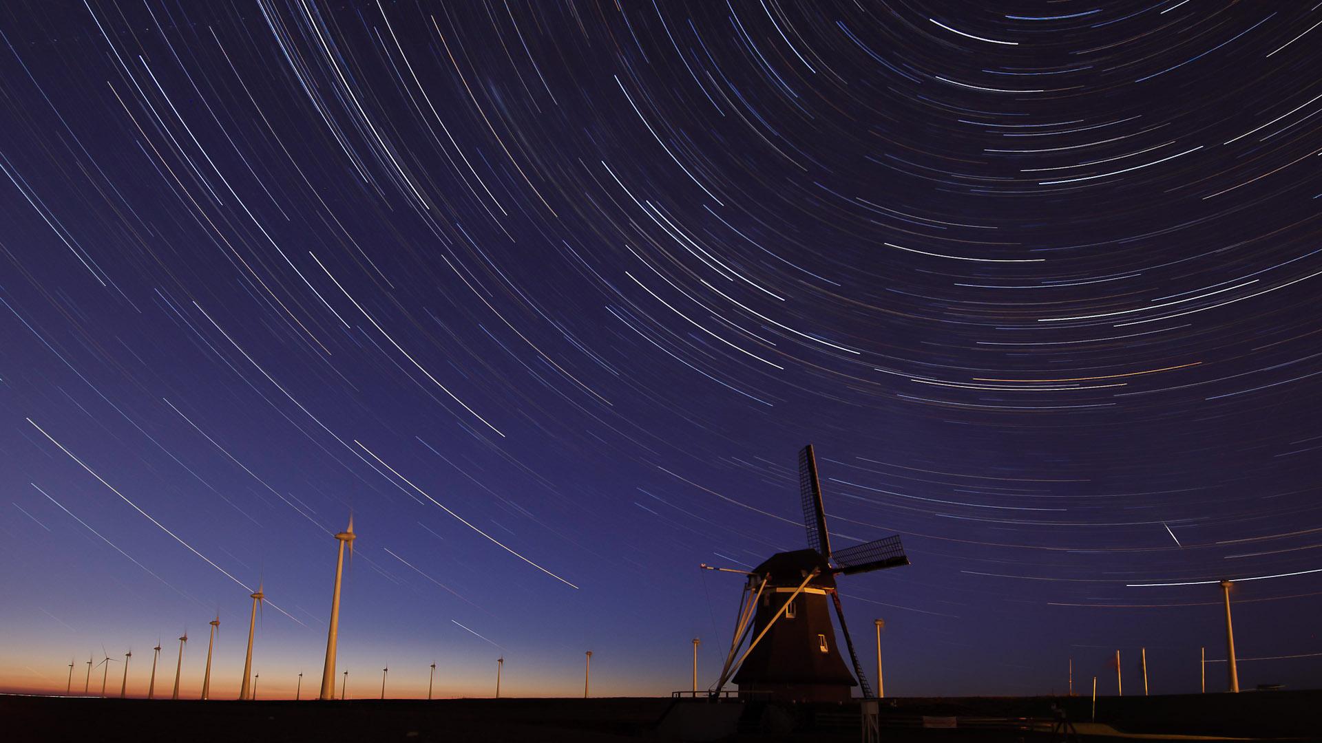 star trails |